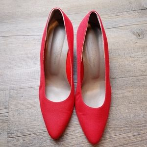 EATON SAINT TROPEZ | Vintage Red High Heel Shoes